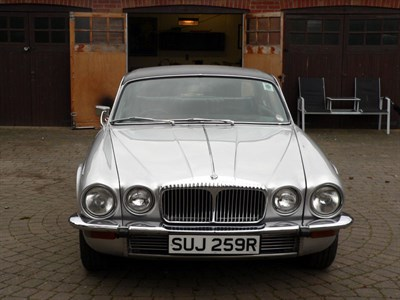 Lot 43-1977 Daimler Sovereign 4.2 Coupe