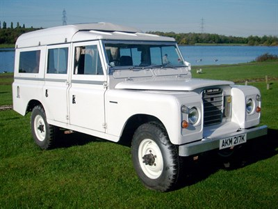 Lot 62-1971 Land Rover 109 Series IIA Motor Caravan