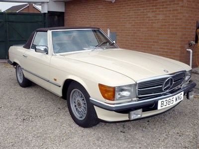 Lot 21-1985 Mercedes-Benz 500 SL