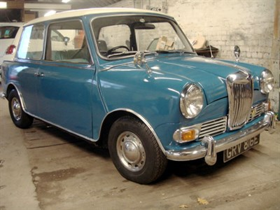 Lot 18-1967 Riley Elf MK III