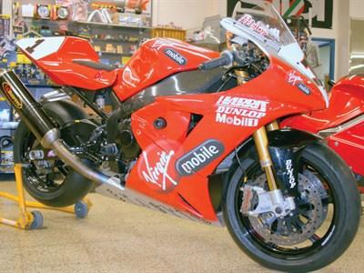 Lot 9-2003 Yamaha YZF-R1