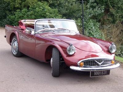 Lot 45-1961 Daimler SP250 Dart