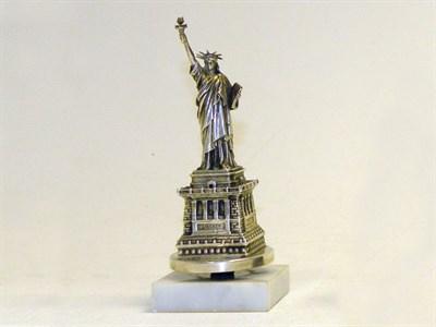 Lot 338 - Statue of Liberty Accessory Mascot