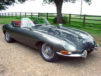 Lot 41 - 1961 Jaguar E-Type 3.8 Roadster