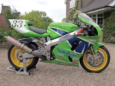 Lot 9 - 1995 Kawasaki ZX750M