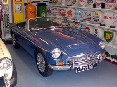 Lot 38-1968 MG C Roadster