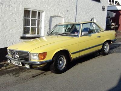 Lot 67-1982 Mercedes-Benz 500 SL