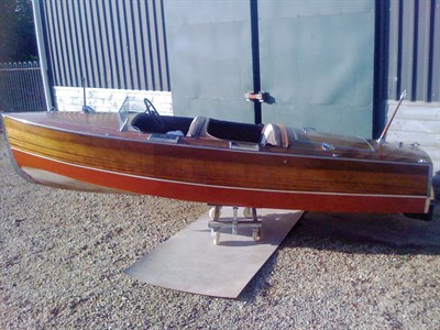 Lot 13 - 1935 Chris Craft 17' Deluxe Runabout