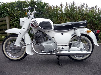 Lot 11 - 1967 Honda C72 Dream