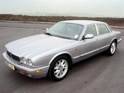 Lot 49-2000 Jaguar XJ8 3.2