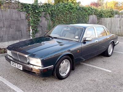 Lot 41-1994 Jaguar Sovereign 4.0