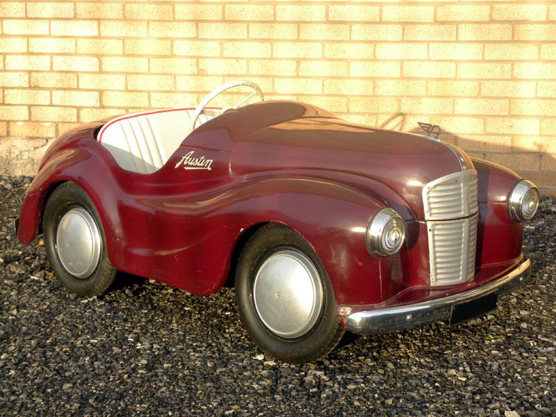Lot 318 Austin J40 Pedal Car