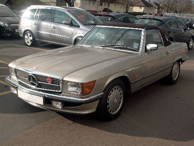 Lot 29-1986 Mercedes-Benz 300 SL
