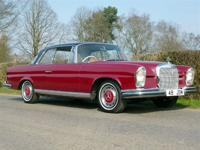 Lot 73 - 1964 Mercedes-Benz 220 SEB Coupe