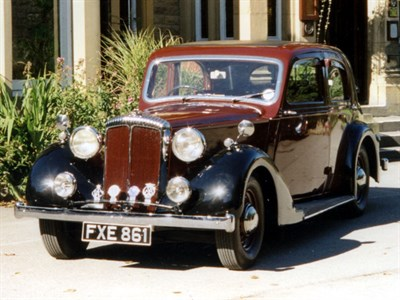 Lot 28-1939 Daimler DB18 Saloon