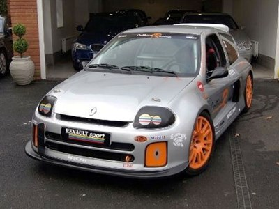 Lot 52-2001 Renault Clio V6 Trophy