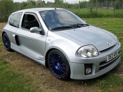 Lot 49 - 2002 Renault Clio V6 Sport