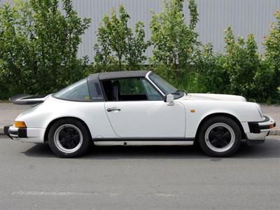 Lot 8 - 1988 Porsche 911 Carrera 3.2 Targa