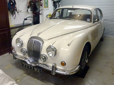 Lot 34 - 1969 Daimler V8-250