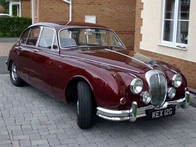 Lot 63 - 1968 Daimler V8-250