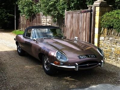 Lot 8 - 1961 Jaguar E-Type 3.8 Roadster