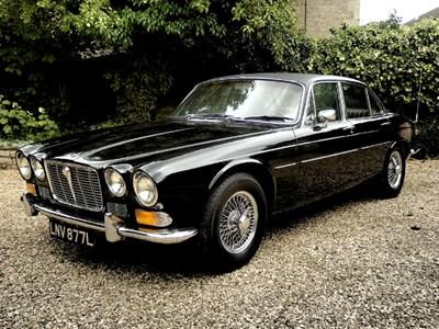 Lot 33-1972 Jaguar XJ6 4.2