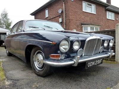 Lot 10-1967 Jaguar 420G