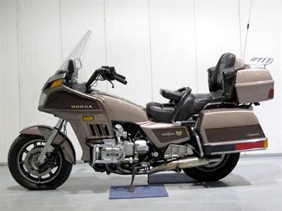 Lot 28 - 1986 Honda GL1200A Gold Wing