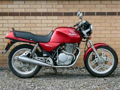 Lot 77 - 1986 Honda XBR500