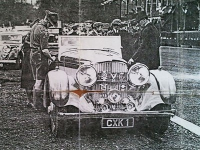 Lot 14-Badges from Sir Malcolm Campbell's Derby Bentley