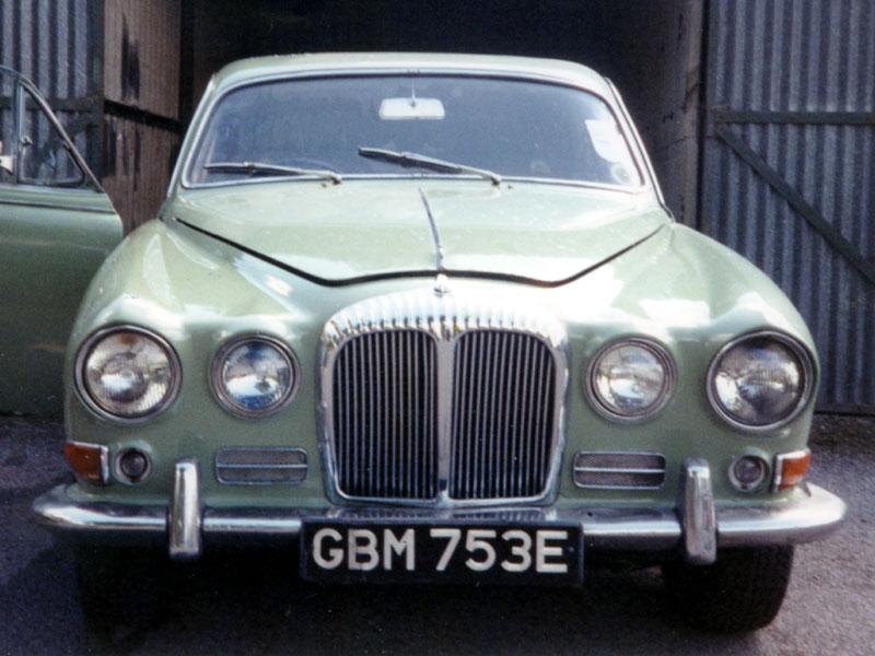Lot 66-1967 Daimler Sovereign 4.2