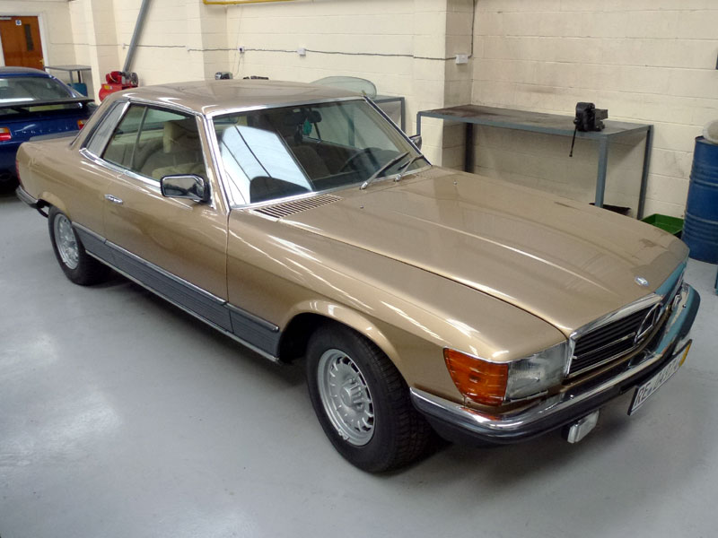 Lot 7-1981 Mercedes-Benz 500 SLC