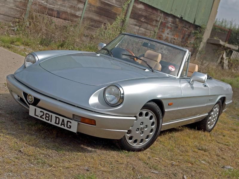 Lot 9 - 1994 Alfa Romeo Spider 2.0 S4