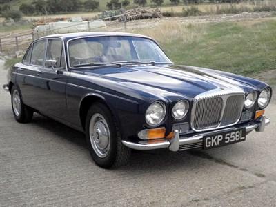 Lot 47-1973 Daimler Sovereign 4.2