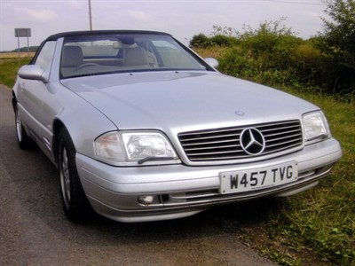 Lot 51 - 2000 Mercedes-Benz SL 320