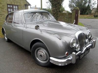 Lot 24-1967 Daimler V8-250