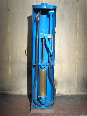 Lot 96-Hand-Operated Petrol Pump (R)