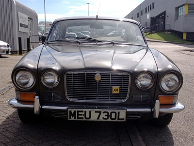 Lot 86-1973 Jaguar XJ6 2.8