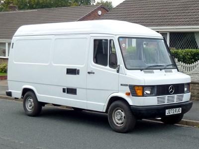 Lot 5 - 1992 Mercedes-Benz 310 D Camper Van