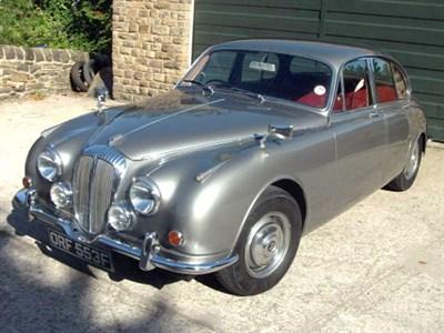 Lot 40 - 1968 Daimler V8-250
