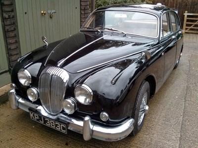 Lot 85-1965 Daimler V8-250