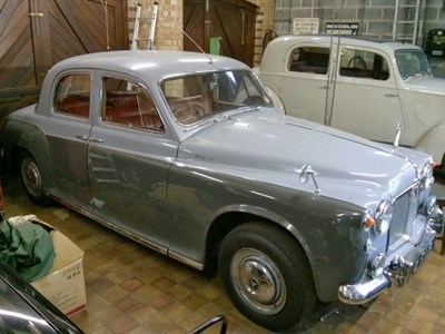 Lot 39-1961 Rover 100