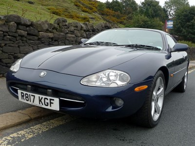Lot 69 - 1997 Jaguar XK8 Coupe
