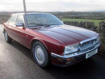Lot 32 - 1992 Daimler 4.0 Litre