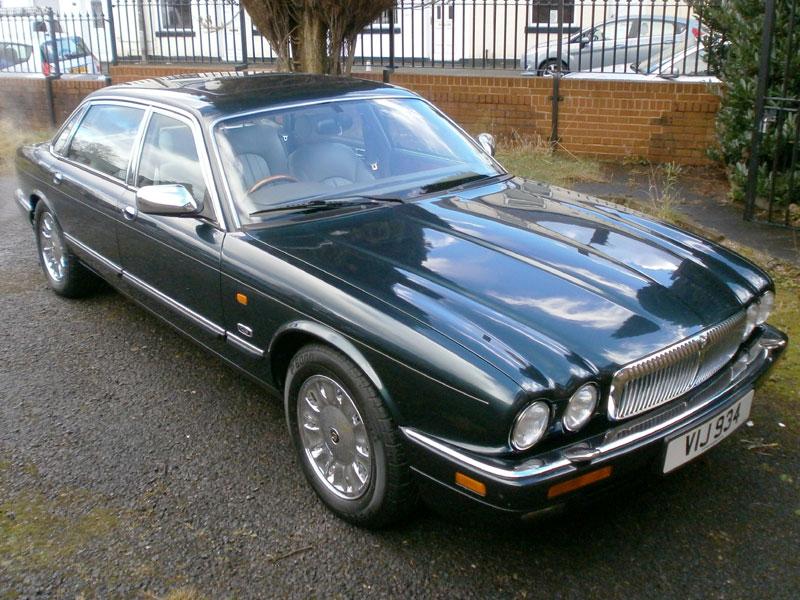 Lot 18 - 1996 Daimler Century Double Six