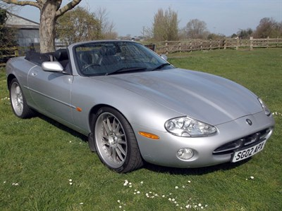 Lot 90 - 2002 Jaguar XK8 Convertible