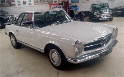Lot 49-1965 Mercedes-Benz 230 SL