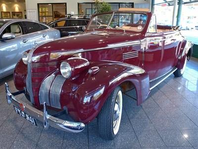 Lot 57-1939 Pontiac Deluxe 120 'Silver Streak' Convertible