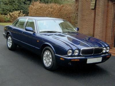 Lot 60-2001 Jaguar XJ8 3.2
