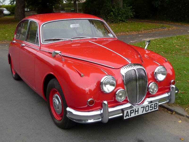 Lot 64-1964 Daimler V8-250